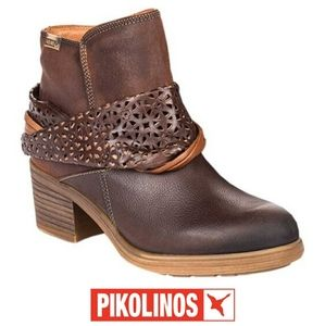 Pikolinos Women's Lyon Leather Wrap Ankle Booties